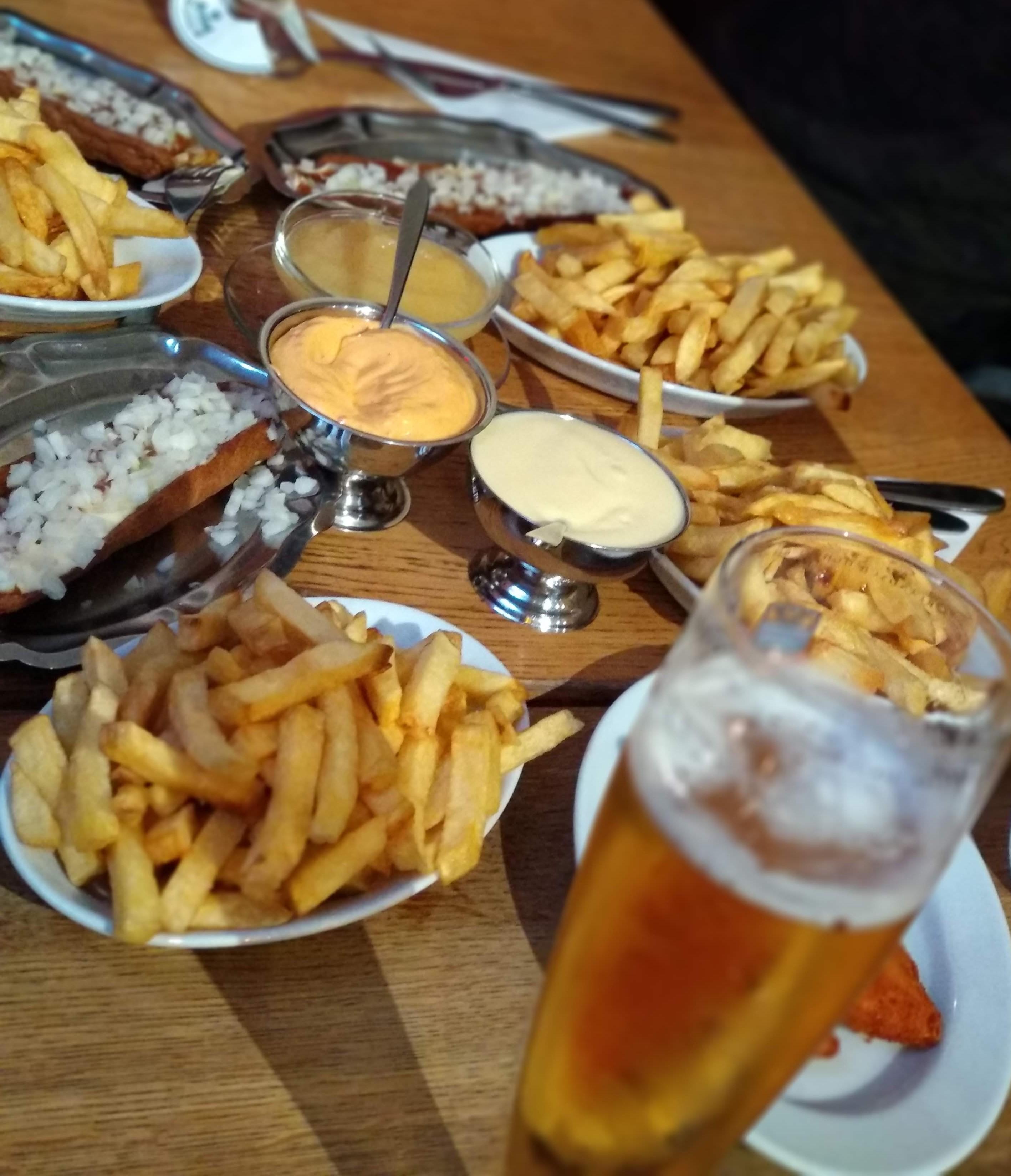 Ankunft in Holland wird umgehend frittiert