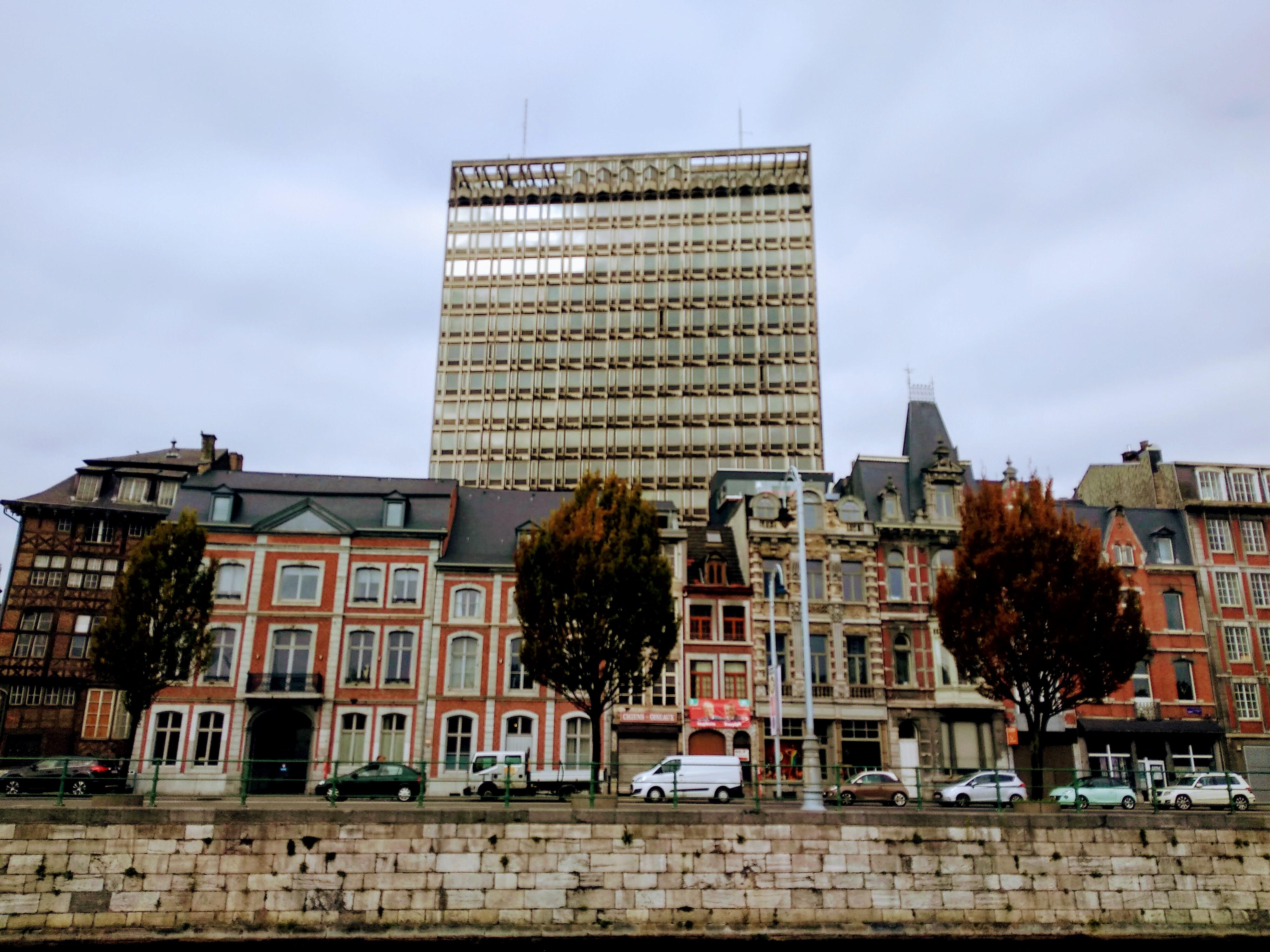 Kurze Zeit später war der Tapetenwechsel vollzogen: Liège, Luik, Lüttich! Nicht alle waren angetan von der neuen Oberfläche.